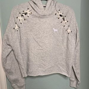 Never worn pull over!
